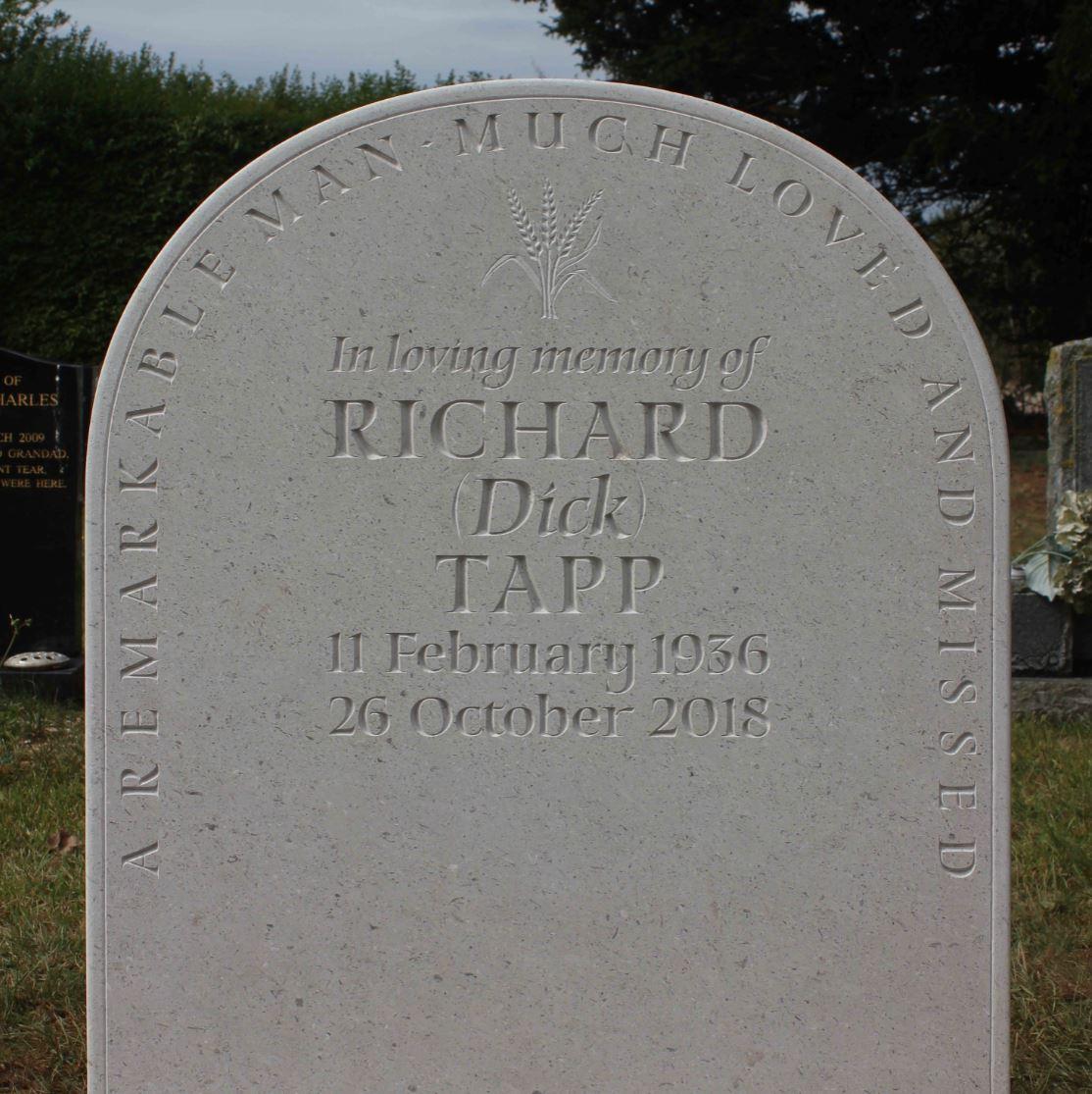 Heartfordshire Grave Stones, Gravestones and Headstones and Memorials